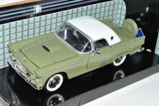 Ford Thunderbırd 1956 Model Metal Araba1:24