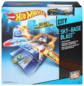Hot Wheels Sky - Base Blast Taşınabilir Oyun Seti